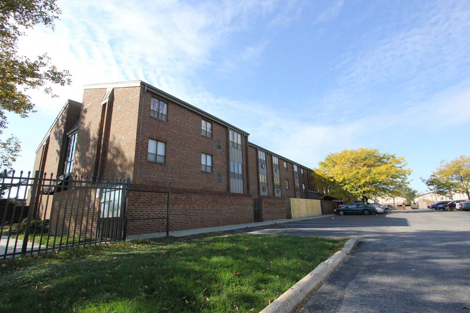 Tamarack Arms Apartments In Columbus Oh Columbus Kentucky Ohio