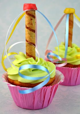 May Day cupcakes- sooo cute!