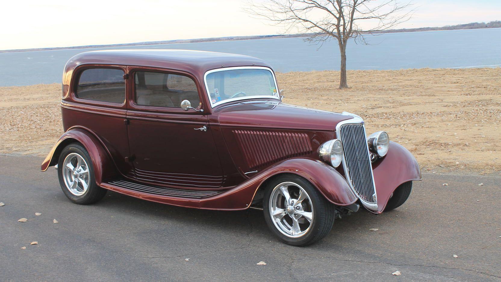 1934 Ford Deluxe Sedan Presented As Lot S86 At Kansas City Mo