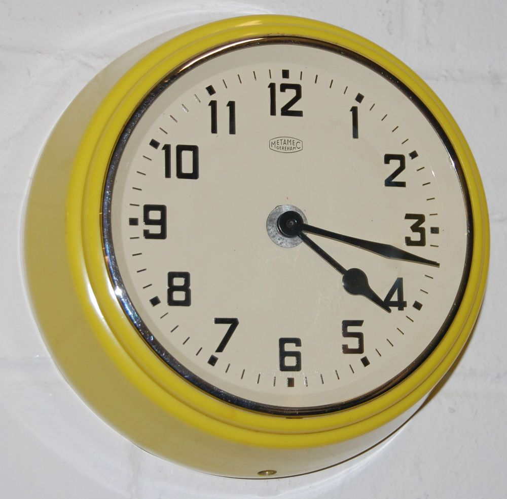1950s Vintage Retro Yellow Bakelite Metamec Wall Clock Battery Fwo Fab Condition Saatler