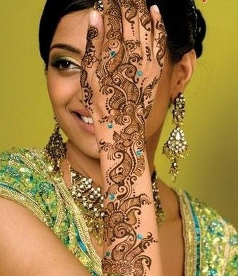 Mehndi Or Henna Is Very Famous Art In India Pakistan And Middle East Here Are Some Beautiful Examples Of Designs