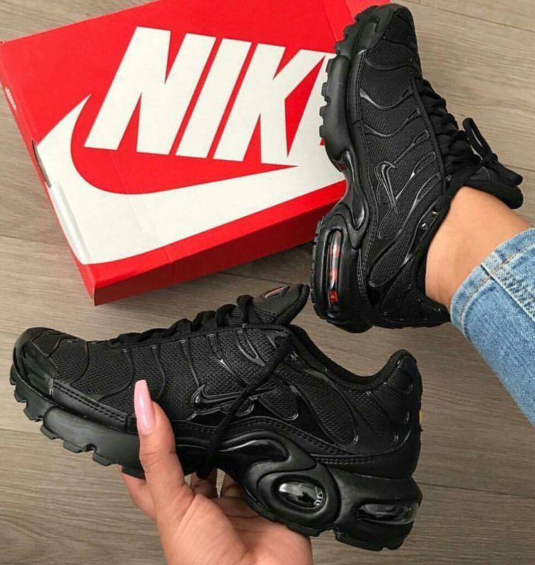 Sneakers, Nike shoes women, Shoes