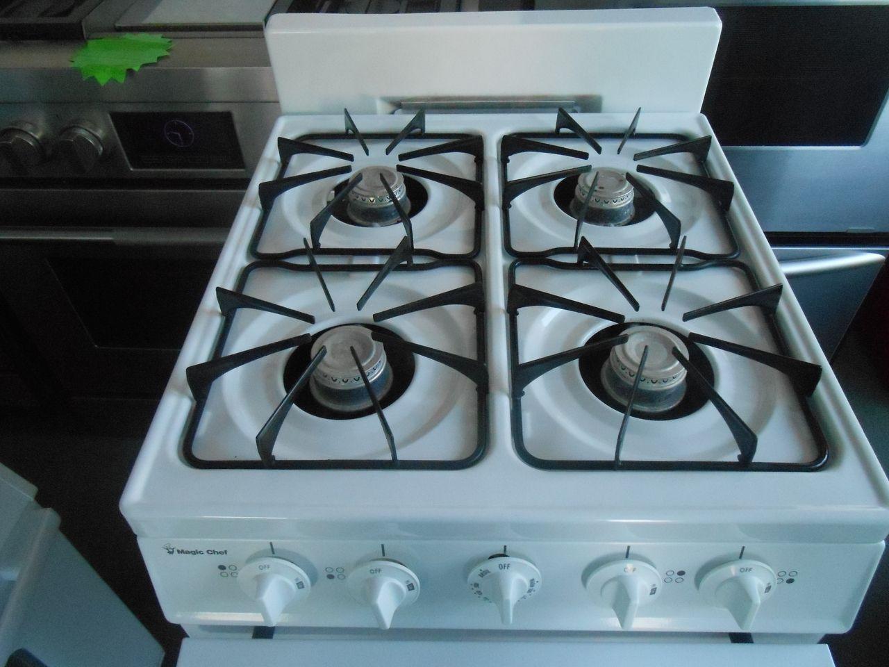 Appliance City - MAGIC CHEF 20 INCH FREE STANDING GAS RANGE 4 BURNER ...