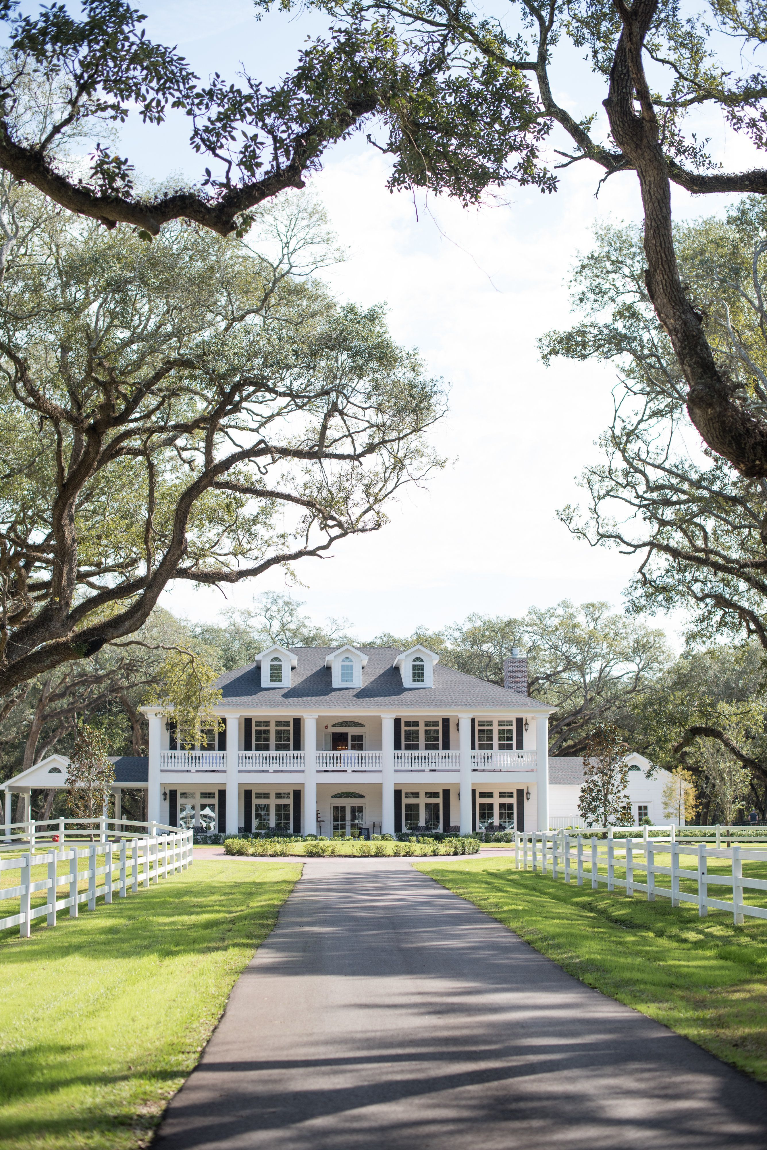 wedding venues on budget in atlanta%0A Looking for a unique wedding venue in the Houston area that won u    t break the  bank  Ask us about booking THE SPRINGS in Angleton  Magnolia Manor on a  budget