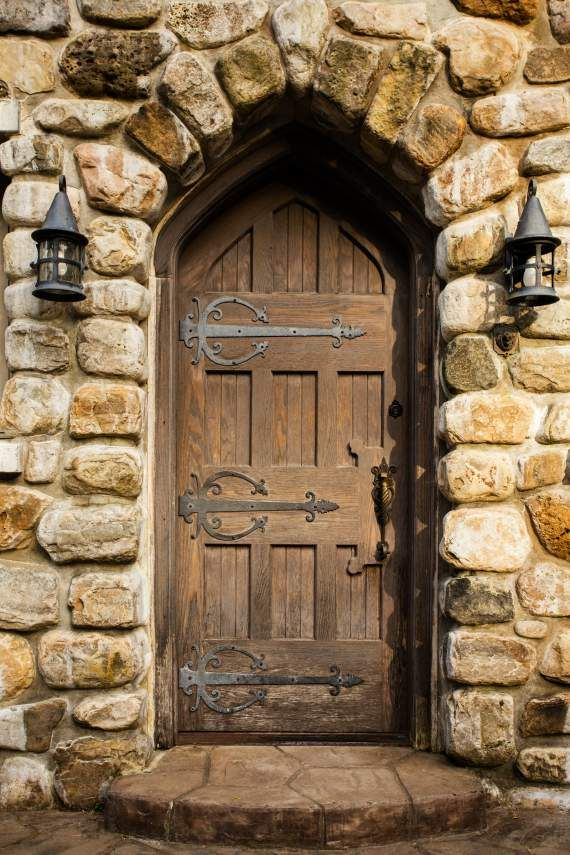 Solid oak door into Highlands Castle - #dreamhomes #castles #castleforsale #fairytales   Highlands Castle Bolton Landing NY   Pinterest & Solid oak door into Highlands Castle - #dreamhomes #castles ...
