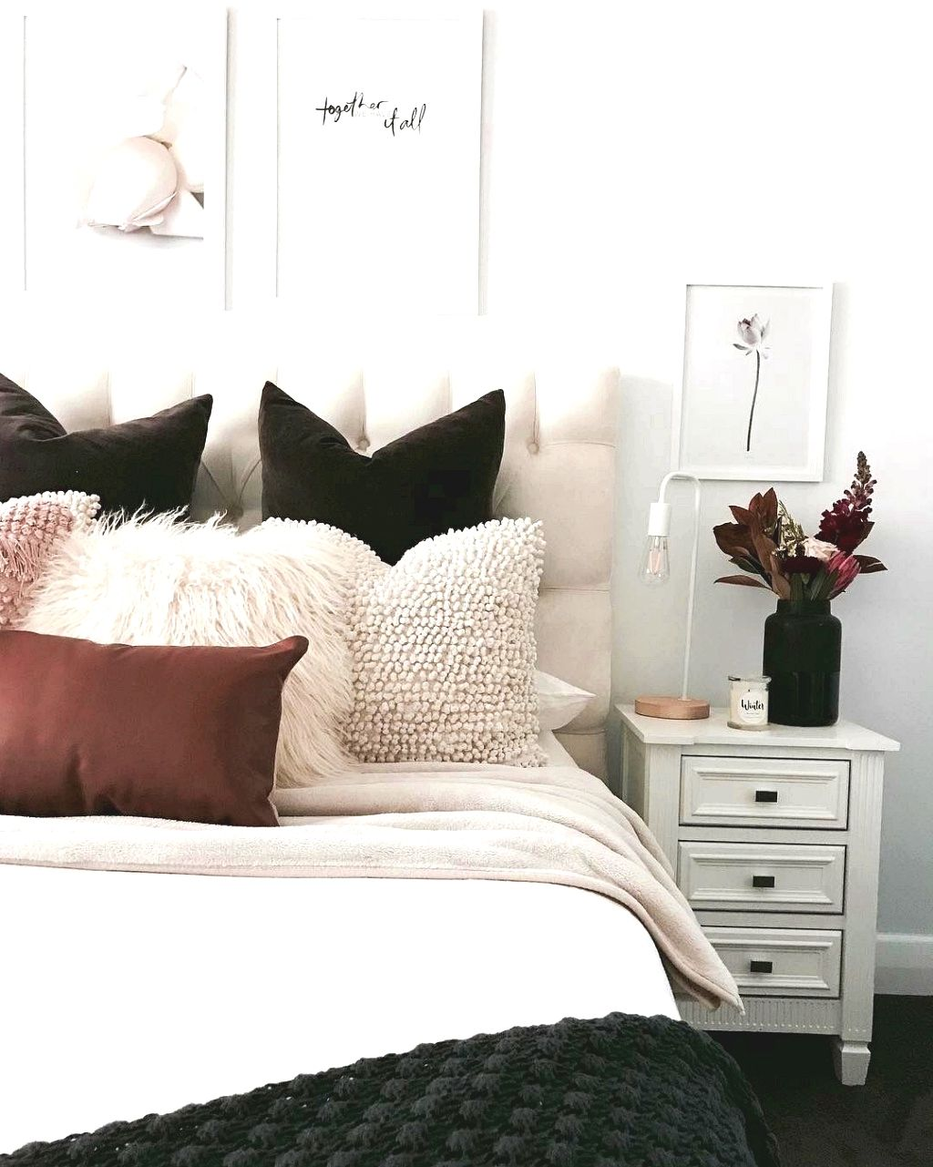 Bedroom Decor. The Hue Scheme Is Imperative When Beginning A Project On The  Room With