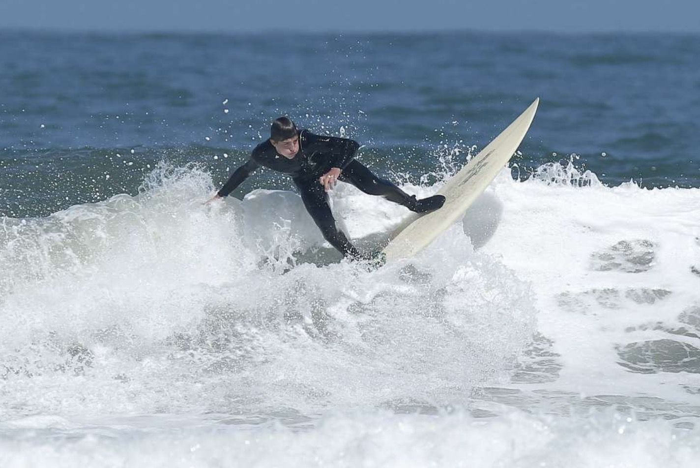 Surfers Conquer Pacifica Waves On International Surfing Day Northern California Beaches Surfer Surfing
