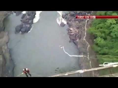 Bunjee jumping alle Victoria Falls, tra i coccodrilli....  #bunjeejumping #cocodriles #coccodrilli #victoriafalls #falls