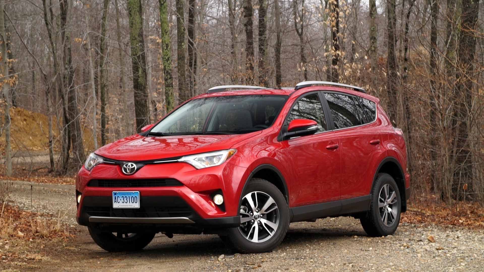 The 2016 Toyota Rav4 Hybrid Is Most Fuel Efficient Non Plug In Suv That Consumer Reports Has Tested