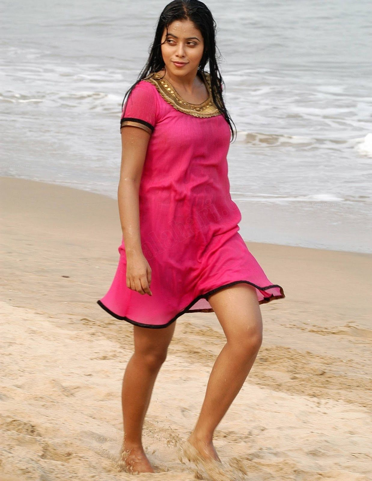Indian Red Porn Good indian actress latest photos movie news and all about movie | nice