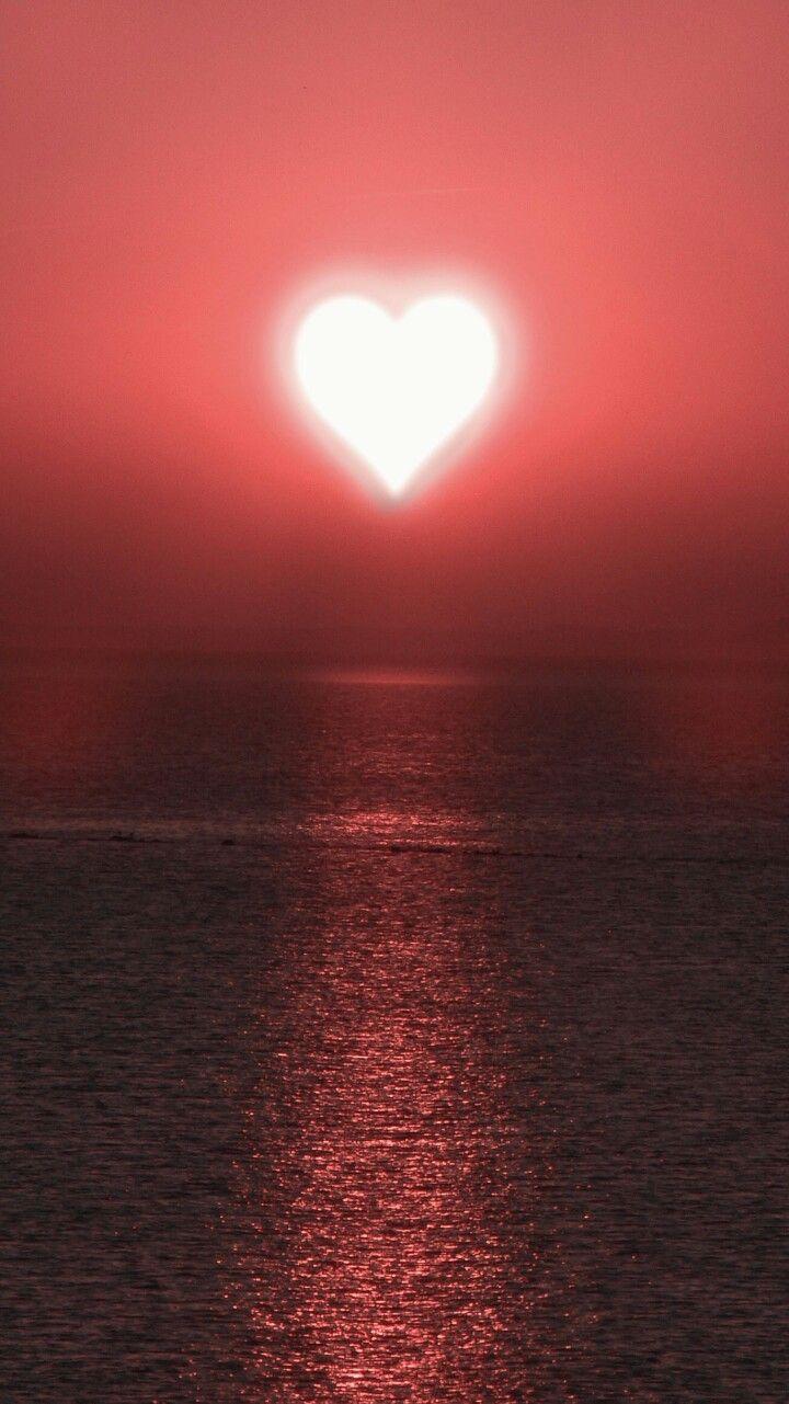 J.Jesús Ll. G❤️tu eres mi razón de ser Amarte como el corazón de sol que se tárdese y se refleja sobre el mar en mi Corazón ❤️Susana