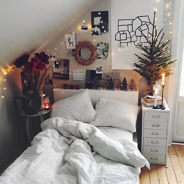 bed romm idee f r ganz wenig platz unter der dachschr ge interiordesign decor pinterest. Black Bedroom Furniture Sets. Home Design Ideas