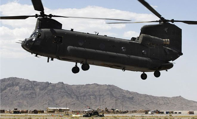 Australian forces Boeing CH-47D Chinook landing at Kandahar, southern Afghanistan. (Dept of Defence)