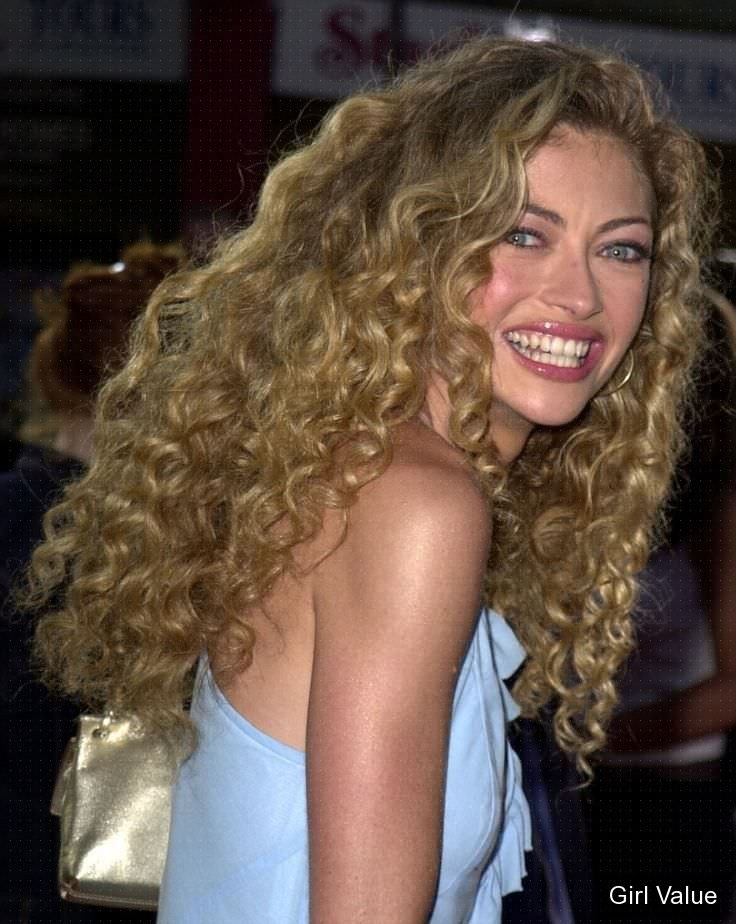 rebecca gayheart long curly golden style photos