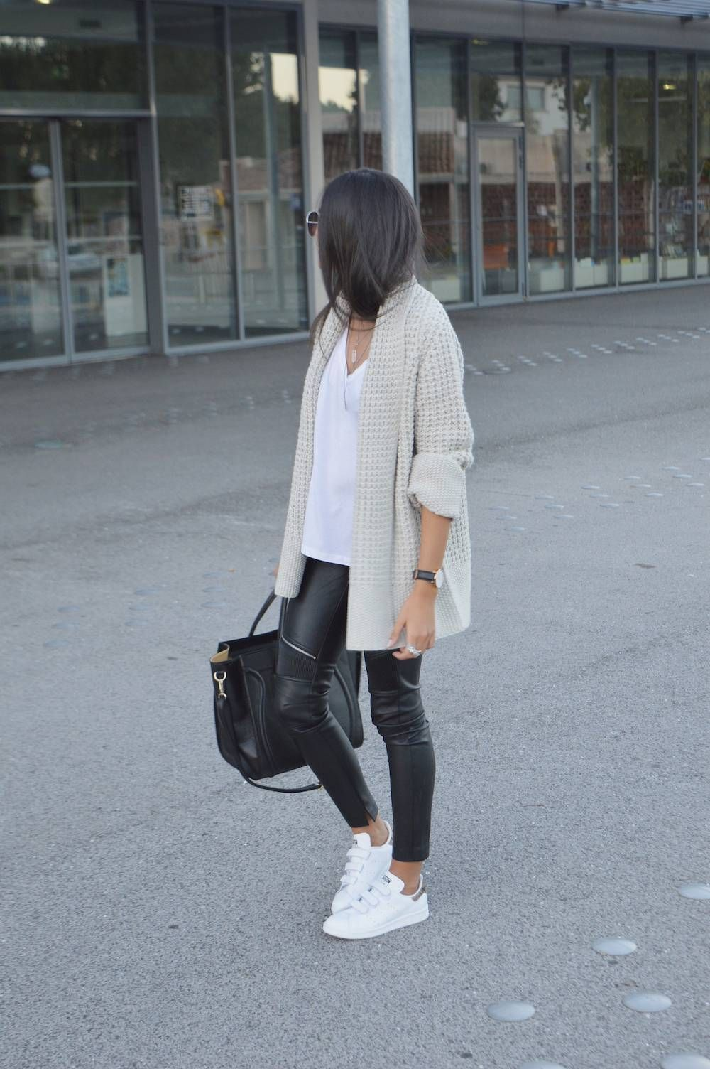 a4be6a4c3fc Shop the look from Miszkiczka on ShopStyle Leather Leggings Outfit