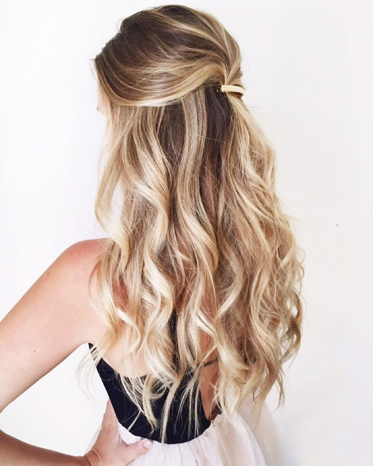 Love The Gold Bar Accent Long Curly Hair Beachy Waves Curls