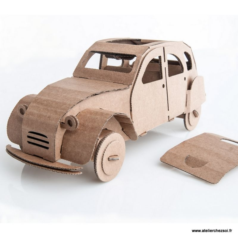 voiture 2cv en carton construire leolandia maquette en carton de l 39 atelier chez soi kids. Black Bedroom Furniture Sets. Home Design Ideas