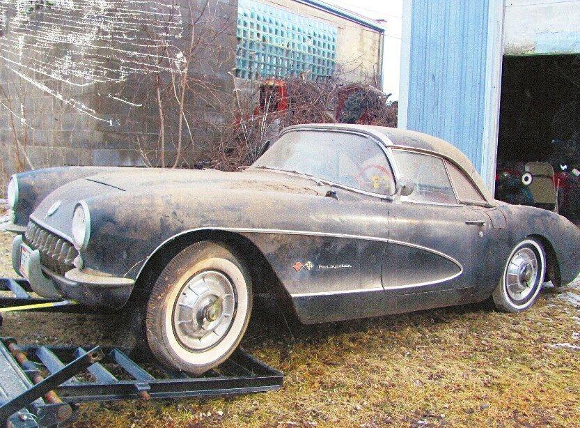 1957 Fuelie Barn Find Corvette Barn Find Cars Junkyard Cars Abandoned Cars