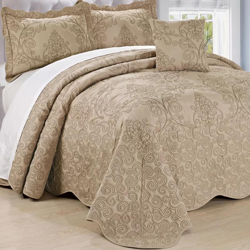 Lucinda Quilt Set Bed Spreads Bedspread Set Damask Bedding