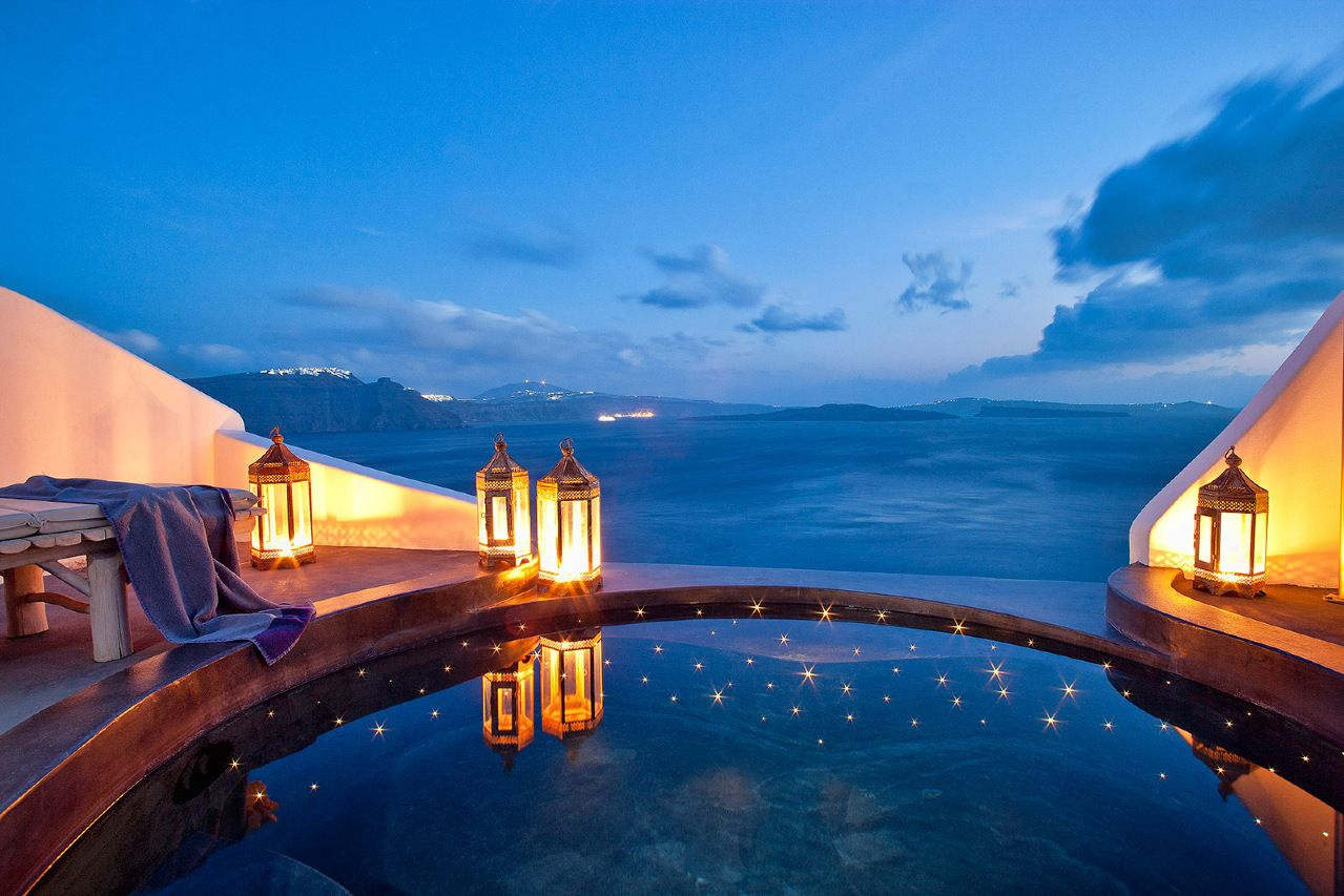 Andronis Luxury Suites Santorini Greece The Outdoor Jacuzzis Really Come Into Their Own As Night Falls Jetsetter Pin Your Way To Paradise
