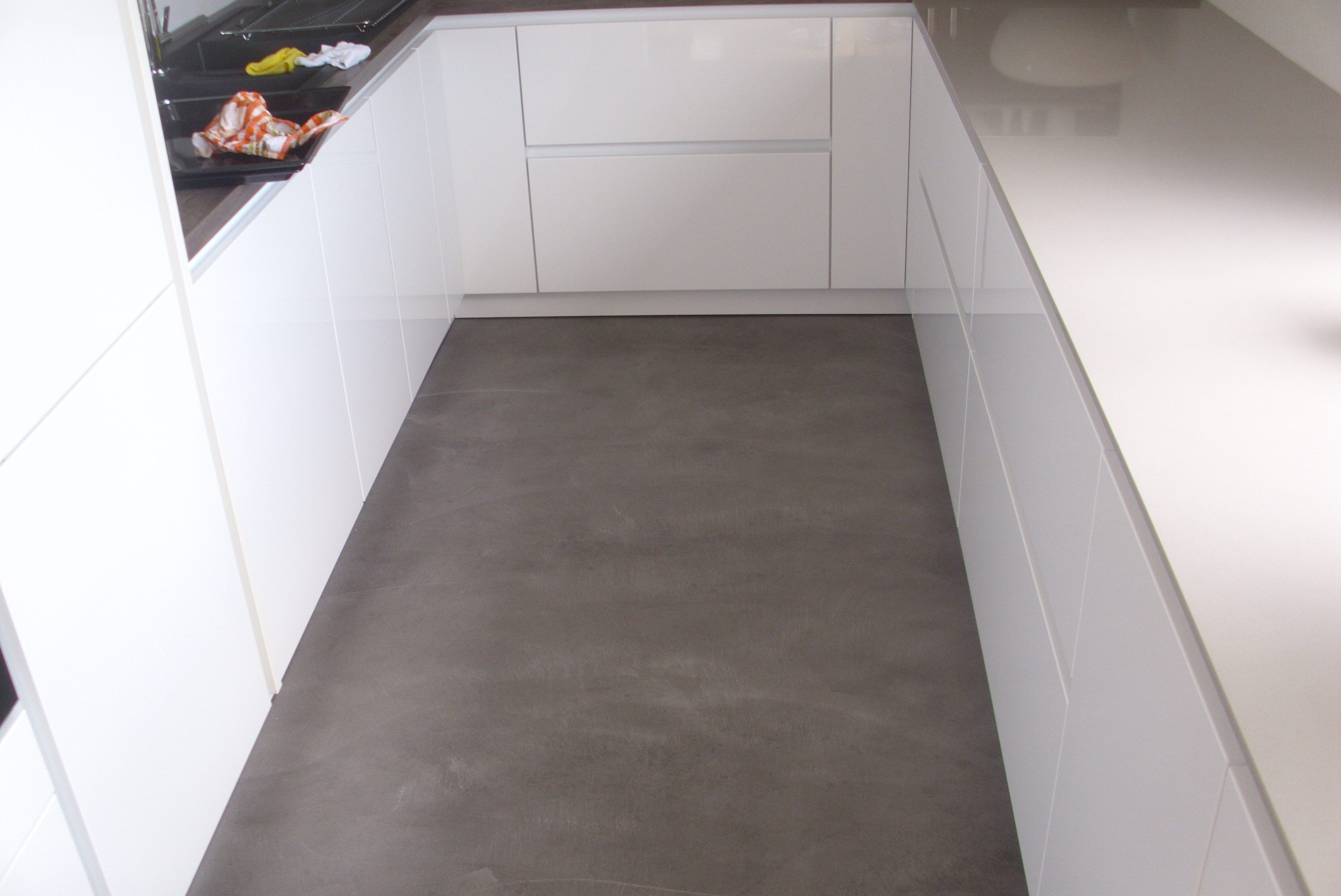 Extraordinary Küche Boden Reference Of Hochglanz-küche + Beton Cire