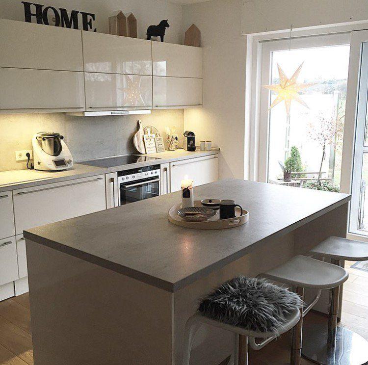 k che hochglanz mit insel home kitchen pinterest haus k chen k che hochglanz und offene. Black Bedroom Furniture Sets. Home Design Ideas