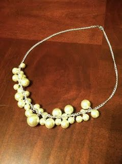 Just down the Hall: Pearl cluster necklace