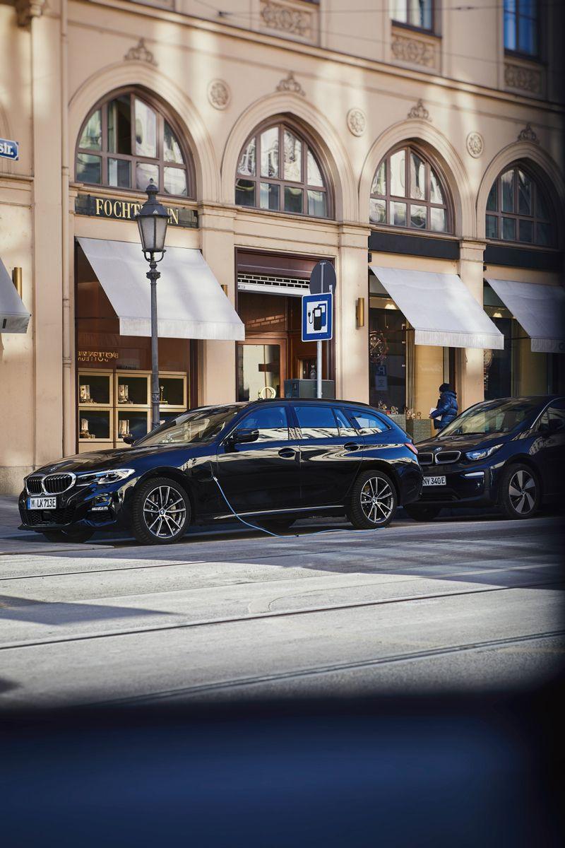 Bmw G21 330e Touring Pluginhybrid Mperformance Iperformance Xdrive Mpackage Luxuryline Sheerdrivingpleasure Tuning Drift In 2020 Bmw Touring Bmw 3 Series