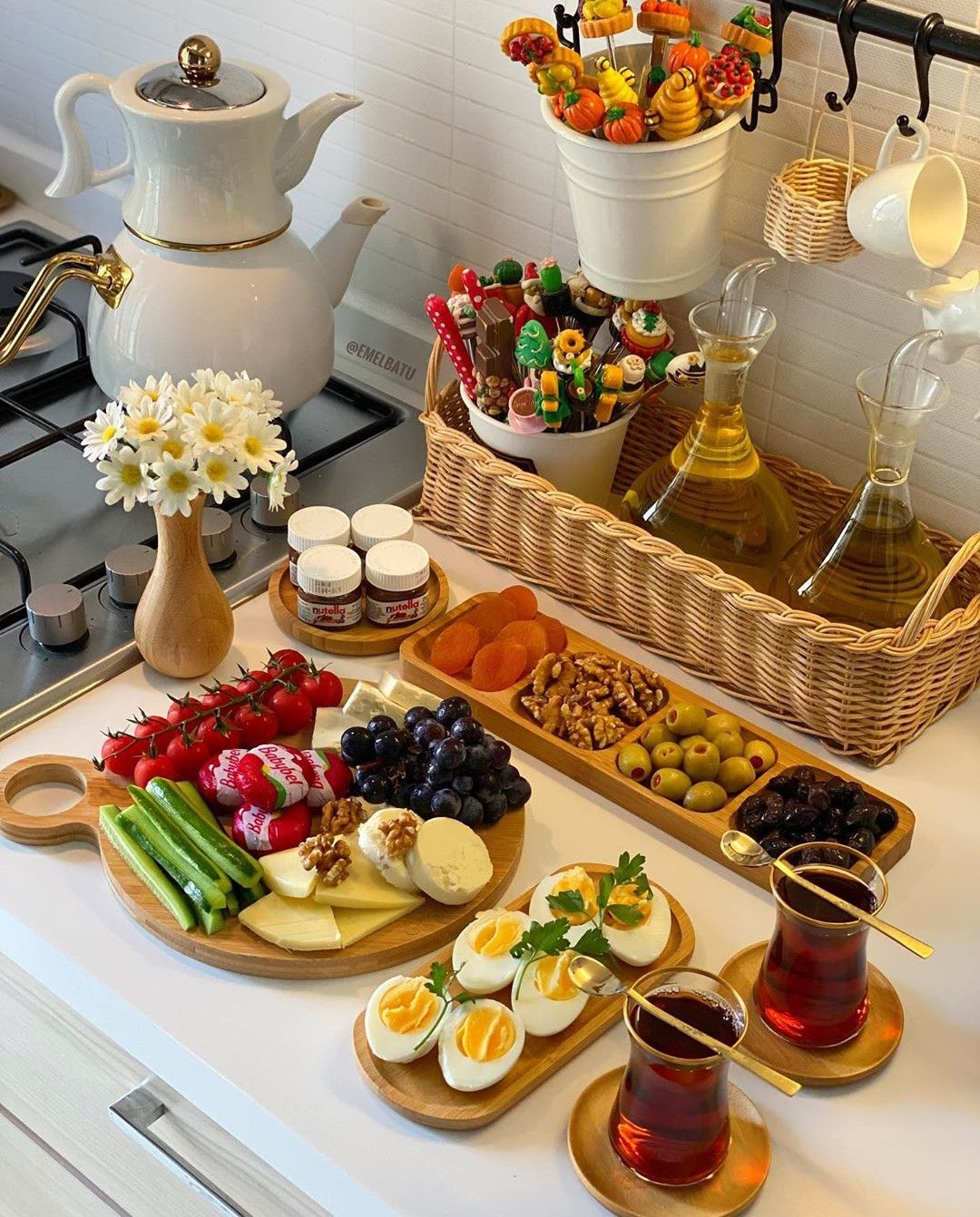 Pin By Justme On فطور ريوك Food Platters Buffet Food Food Displays