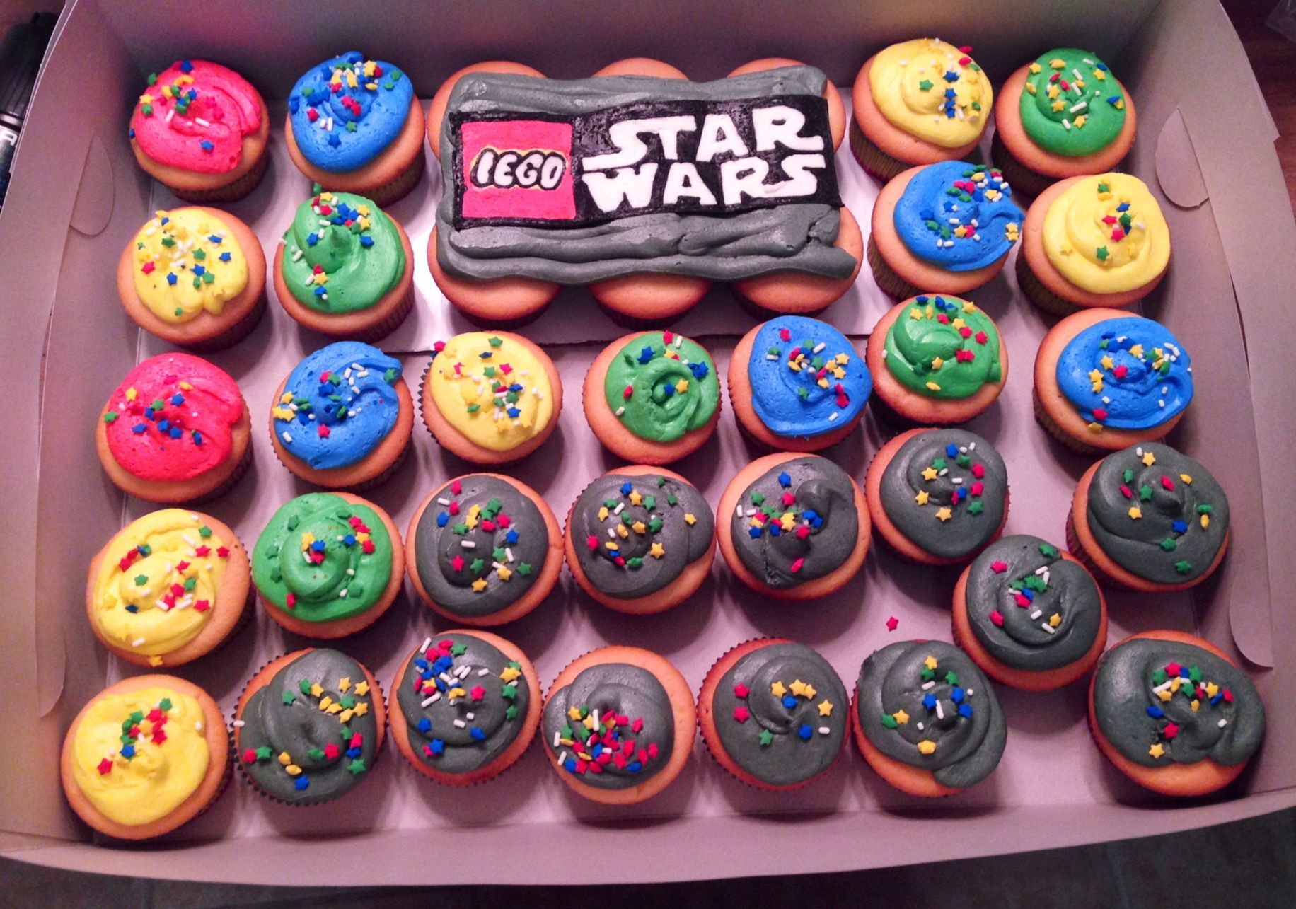 Lego Star Wars Cupcakes