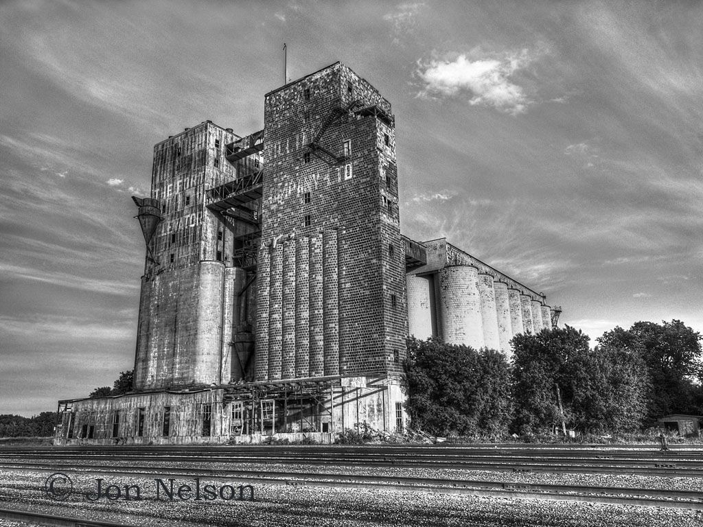 Old Grain Elevators Thunder Bay Has Many Old And Abandoned Grain - Us grain elevator map