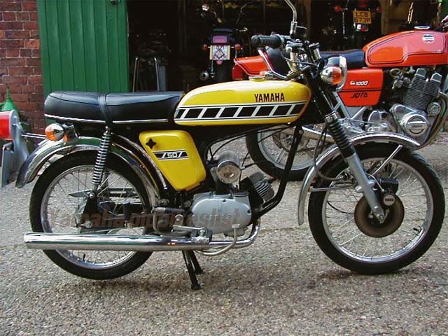 1977 Yamaha Fs1 E Classic Vintage Yellow Yamaha Motorbikes Classic Bikes
