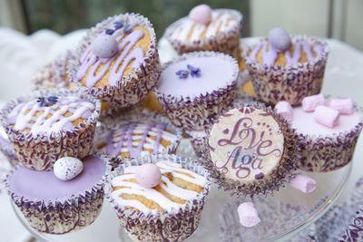 Lekkere blueberry cupcakes om het zomer gevoel nog even vast te houden.
