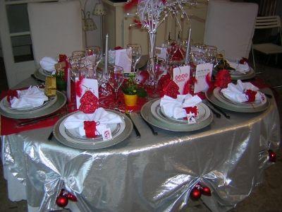 Jolie Deco De Table De Noel Rouge Et Argent Deco De Noel Pinterest