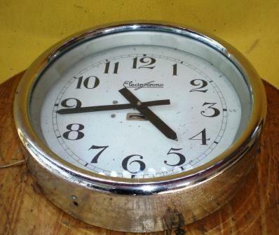 4cfa9ca32169 Antiguo Reloj Estacion De Tren Electrico Cronos Miralo!! -   700
