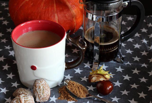 Homemade Pumpkin Spice Latte (Starbucks PSL)