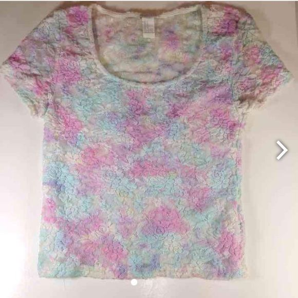Forever 21 Floral Top Size Small Forever 21 Floral Top Size Small Forever 21 Tops Camisoles