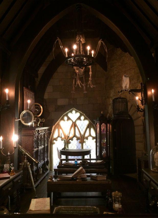 Harry Potter Defence Of The Dark Arts Classroom Recreated In Stunning Miniature Detail In Swansea Harry Potter Classroom Harry Potter Wall Hogwarts Aesthetic
