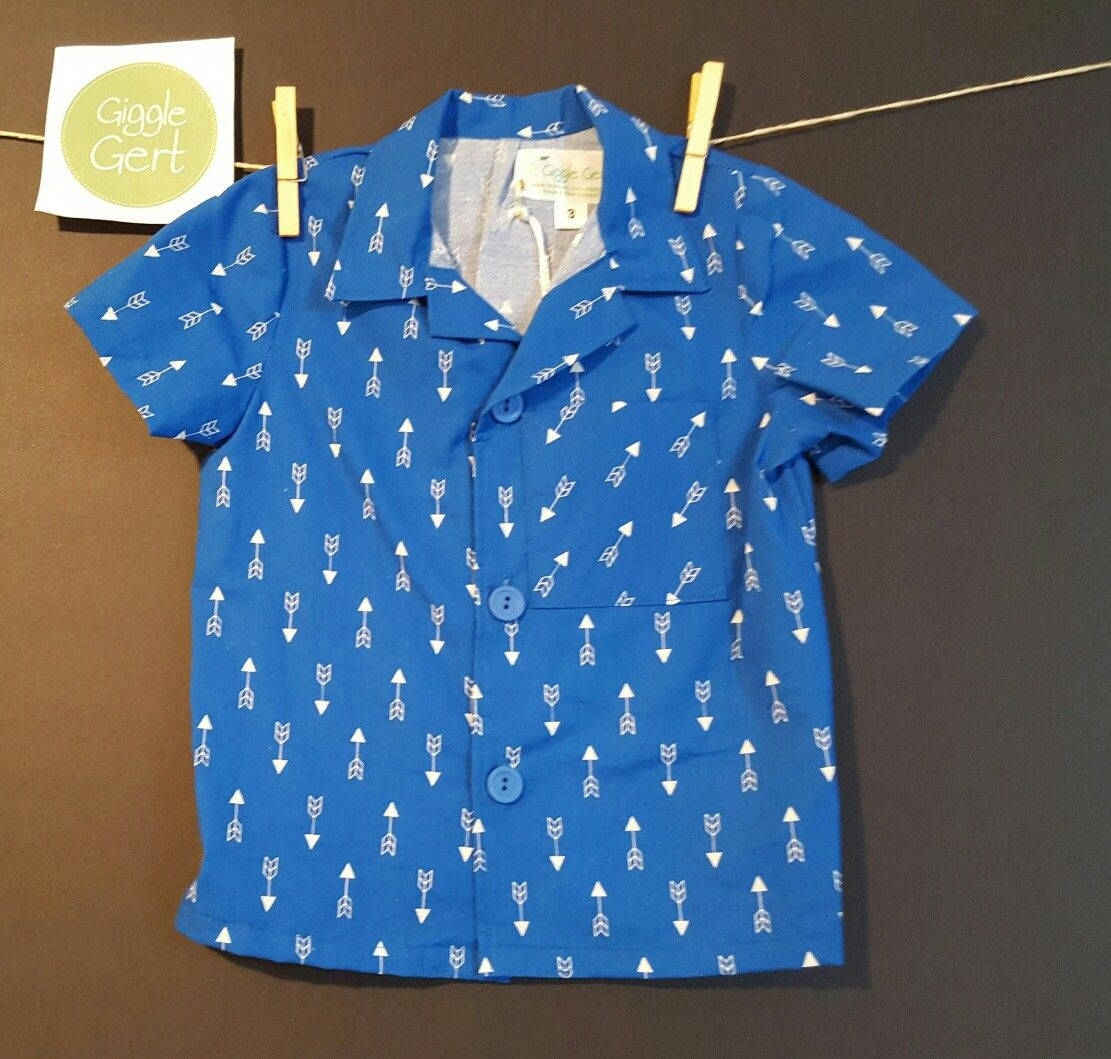Gigglegert Clothing Boys shirt $45 NZ $. Size 3.White arrows on sky blue background. Front pocket.