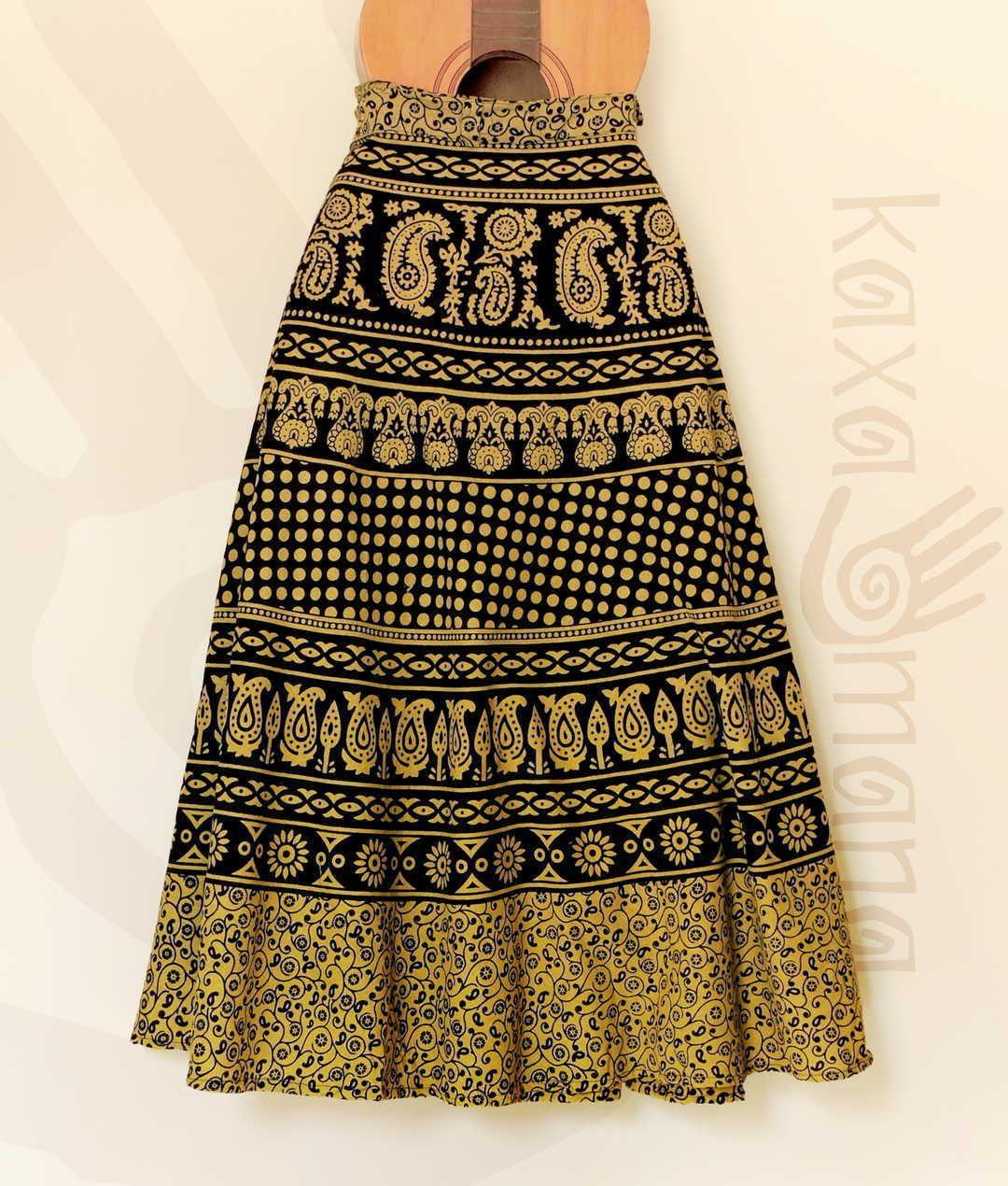 b12a1532ee Saia envelope indiana artesanal. Tamanho único que se adapta perfeitamente  ao corpo. Em algodão
