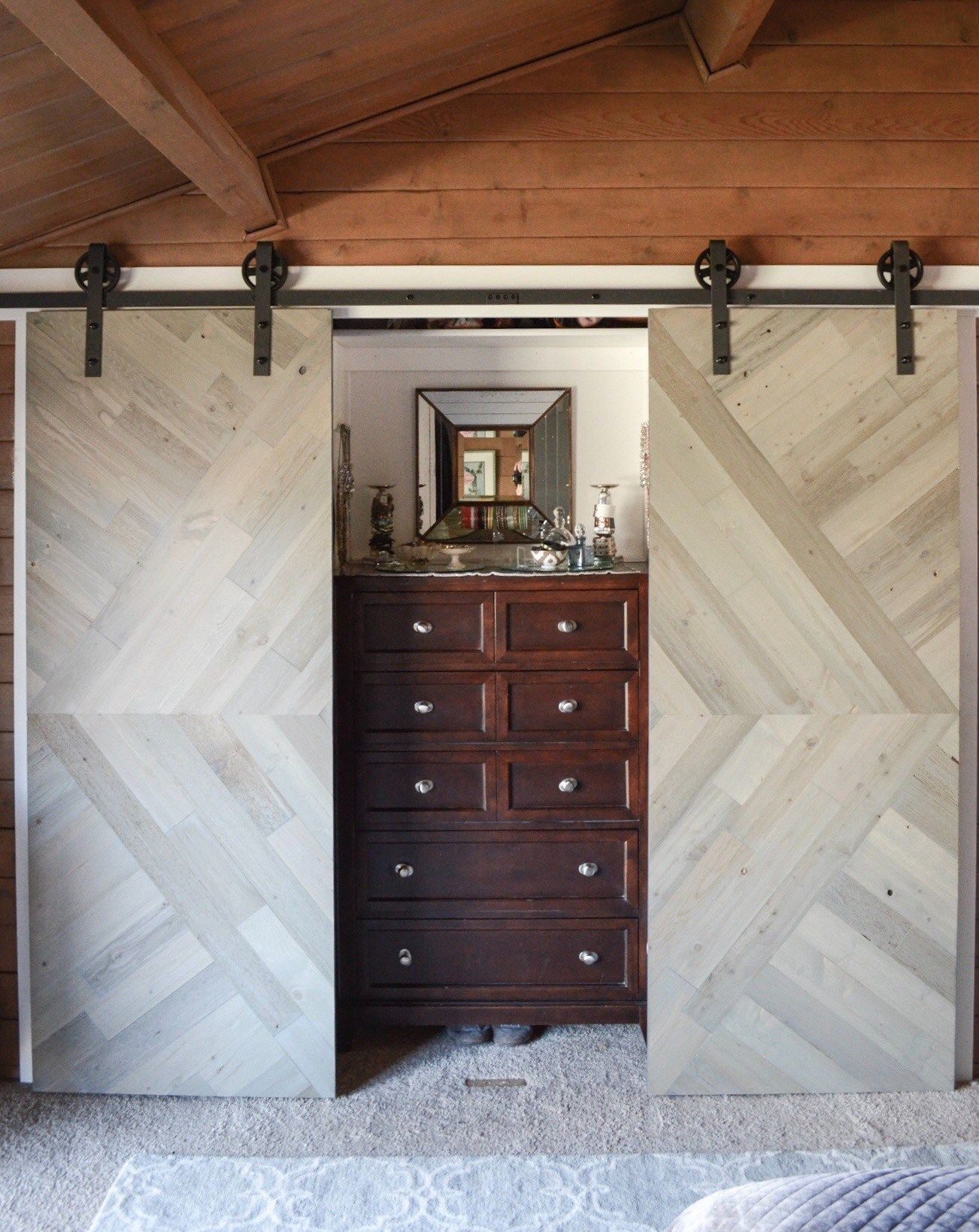 Driftwood Timberchic On Barn Door Photo Credit Nonis House