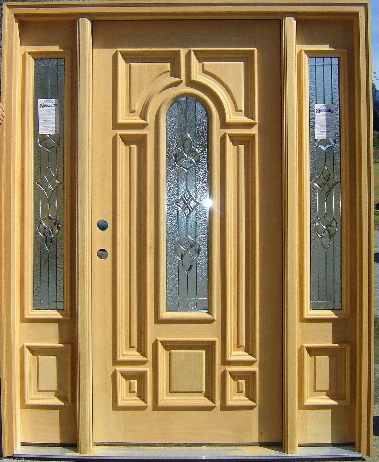 How to Decorate Front Entry Doors with Sidelights - http://chri ...