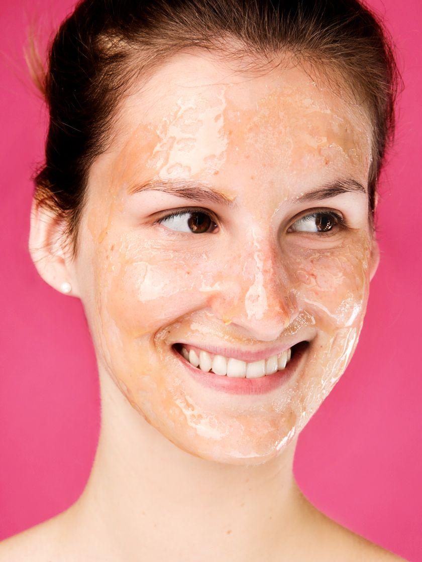 Das passiert, wenn du dein Gesicht mit Honig wäschst