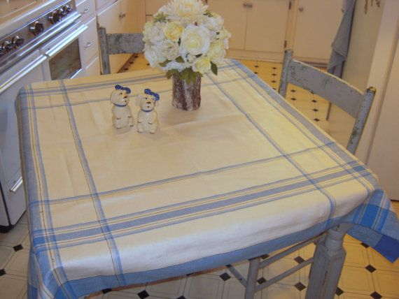 Vintage Tablecloth Country Cottage White Blue By Unclebunkstrunk Vintage Tablecloths Table Cloth Country Cottage