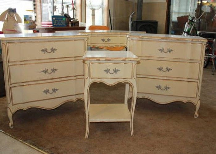 1960 S Dixie Gold And White French Provincial Furniture French