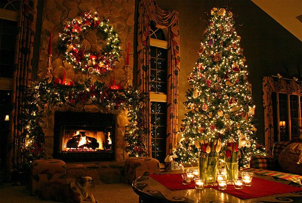 awesome and beautiful christmas tree with fireplaces design rh pinterest com
