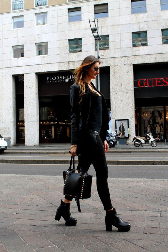 MILANO STREET STYLE: UN TOTAL BLACK E UNA GIORNATA DI SHOPPING