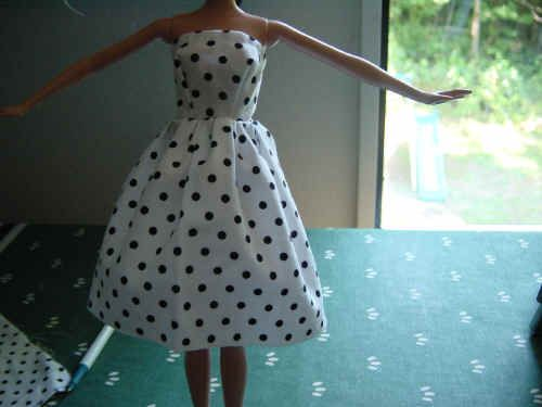 easy strapless Barbie dress from the free downloadable pdf pattern shown with a short gathered skirt