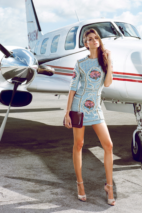 Luxury Woman On Airplane : Travel the world with private jet charter a