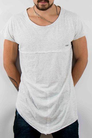 Hombre – www.urbanwear.co Camiseta undergold -Tshirt  diego08gomez - Model   gallegoedison - Photographer 43a18d564a7c5